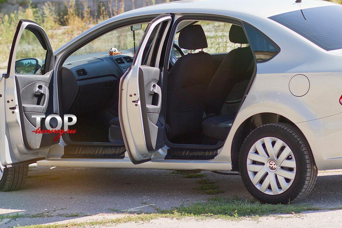 8678 Накладки на внутренние пороги Bastion на VW Polo 5