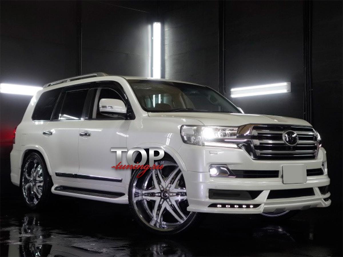 Выполнен в фирменной стилистике популярного японского тюнинг бренда WALD, набор преображает внешность внедорожника и завершает эффектный образ премиум автомобиля.