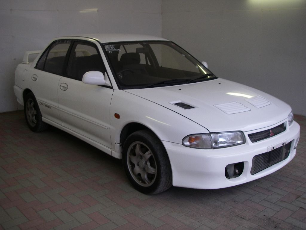 Mitsubishi Lancer Evo on 1996 Mitsubishi Galant