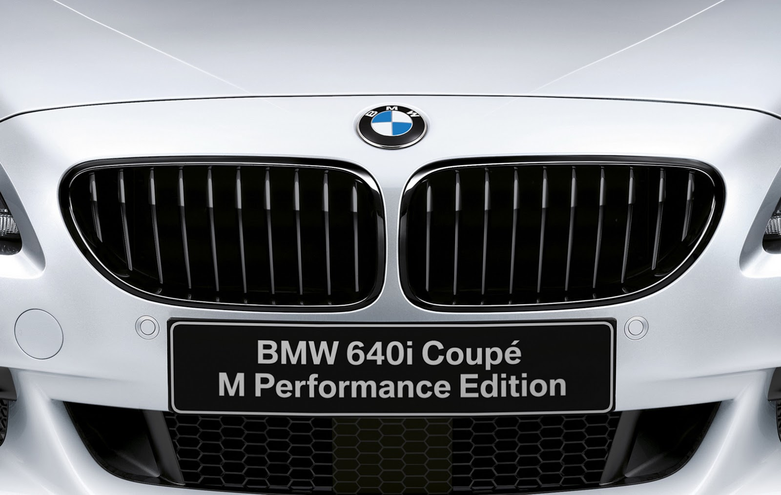 BMW выпустил 640i 2016 Coupe M Performance Edition
