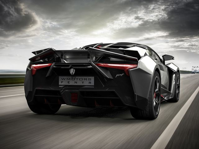 Это Fenyr SuperSport - родной брат Lykan HyperSport