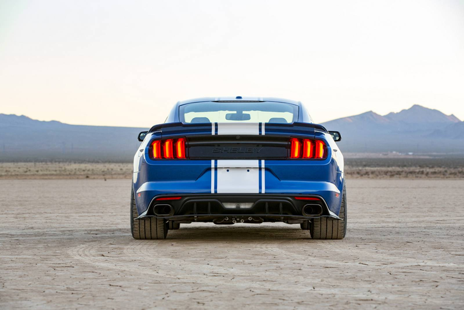 750 л.с. Shelby Mustang Super Snake 50th Anniversary