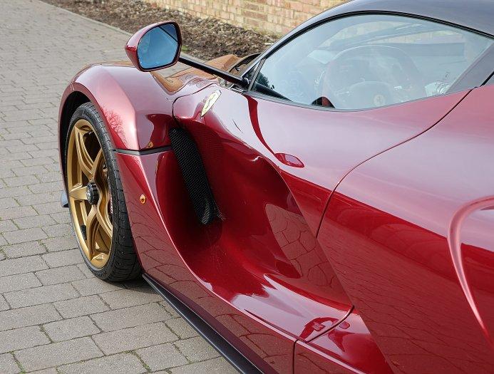 Лейтерс  также отметил, что Ferrari сначала должен завершить разработку дорожной карты технологий и инноваций.