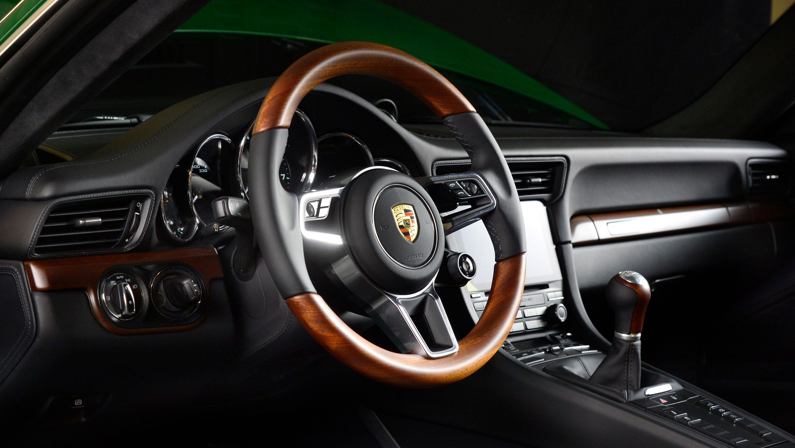 Возможно, эта информация и не прошла мимо вас, но на тот случай, если это произошло: вчера Porsche отпраздновал большую веху.