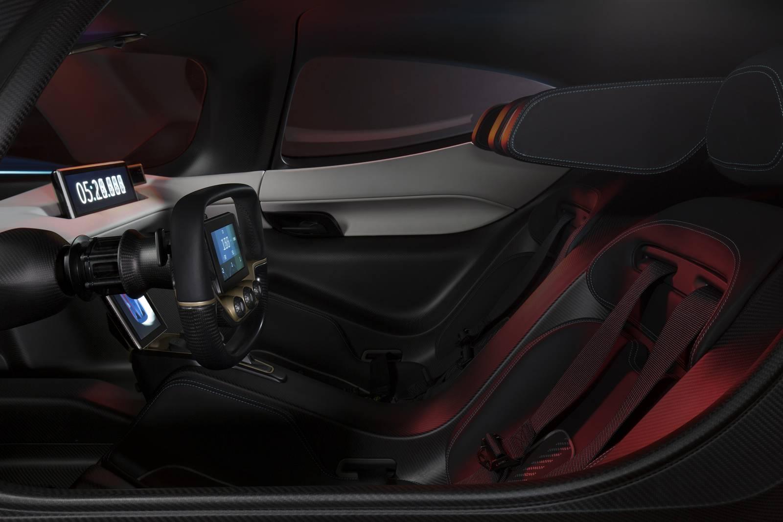 Электрмобиль NIO EP9 обладает полной мощностью в мегаватт, что эквивалентно 1,342 л.с.,и максимальной скоростью 313 км/ч.