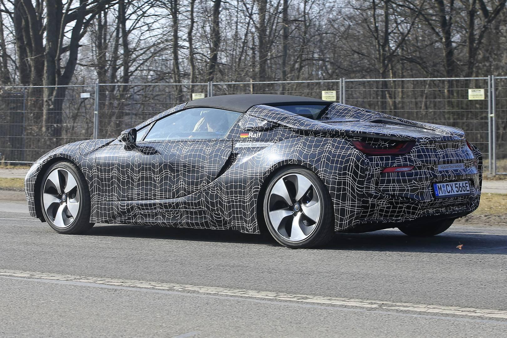 Вот новейшие шпионские снимки предстоящего BMW i8 Spyder.