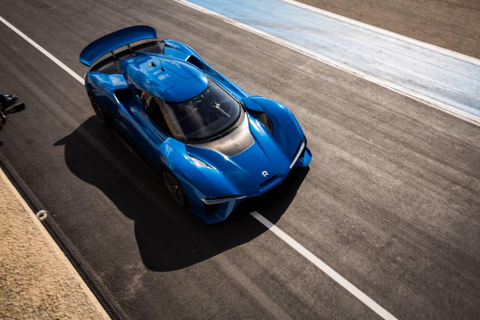 Он победил подобных ему Lamborghini Huracan Performante и Porsche 918 Spyder с невероятным временем 6 минут и 45,9 секунд. Он быстрее, чем Pagani Zonda R (6.47) и Radical SR8 LM (6.48).