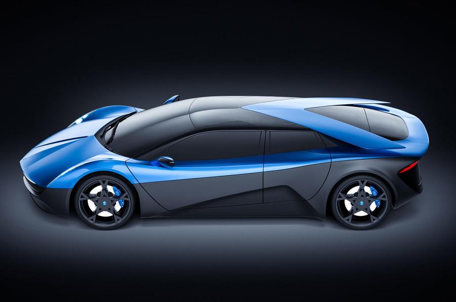 Первая модель будет выпущена всего в 100 экземплярах. Швейцарский дизайнер электро-кара выбрал всемирно известного производственного партнера в Штутгарте, где все 100 Elextra будут построены вручную. Elextra построена на чрезвычайно жестком и прочном
