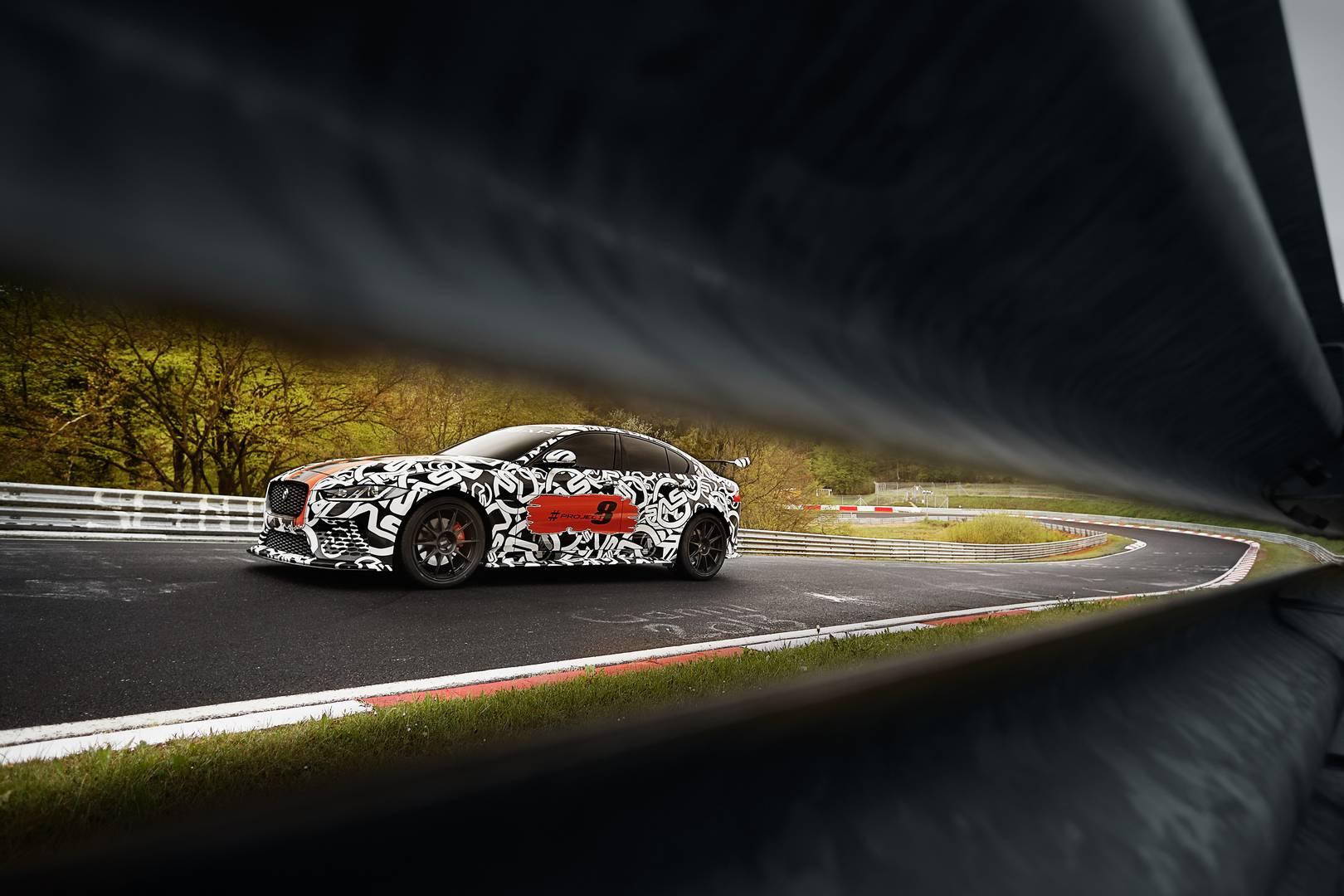 Джон Эдвардс, управляющий директор Jaguar Land Rover Special Operations, сказал: «Настало время для SVO выпускать самые экстремальные дорожные машины за всю историю Jaguar. Команда SVO одержима духом производительности и стремится к созданию самых за
