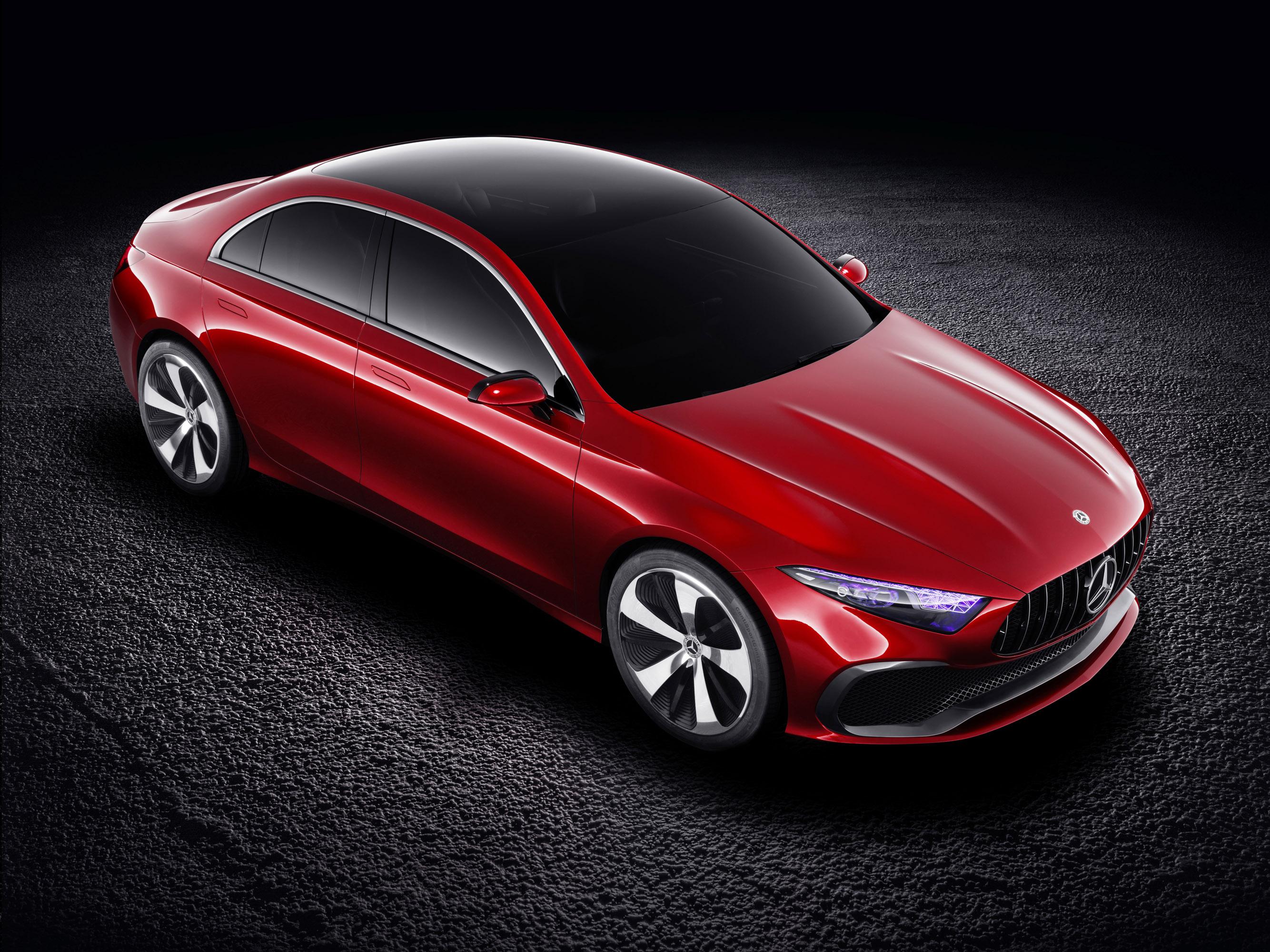 Тем не менее, к настоящему времени Mercedes-Benz официально показал только внешний вид, но мы полагаем, что дизайн интерьера, а также система трансмиссии будут такими же роскошными, как и экстерьер концепта