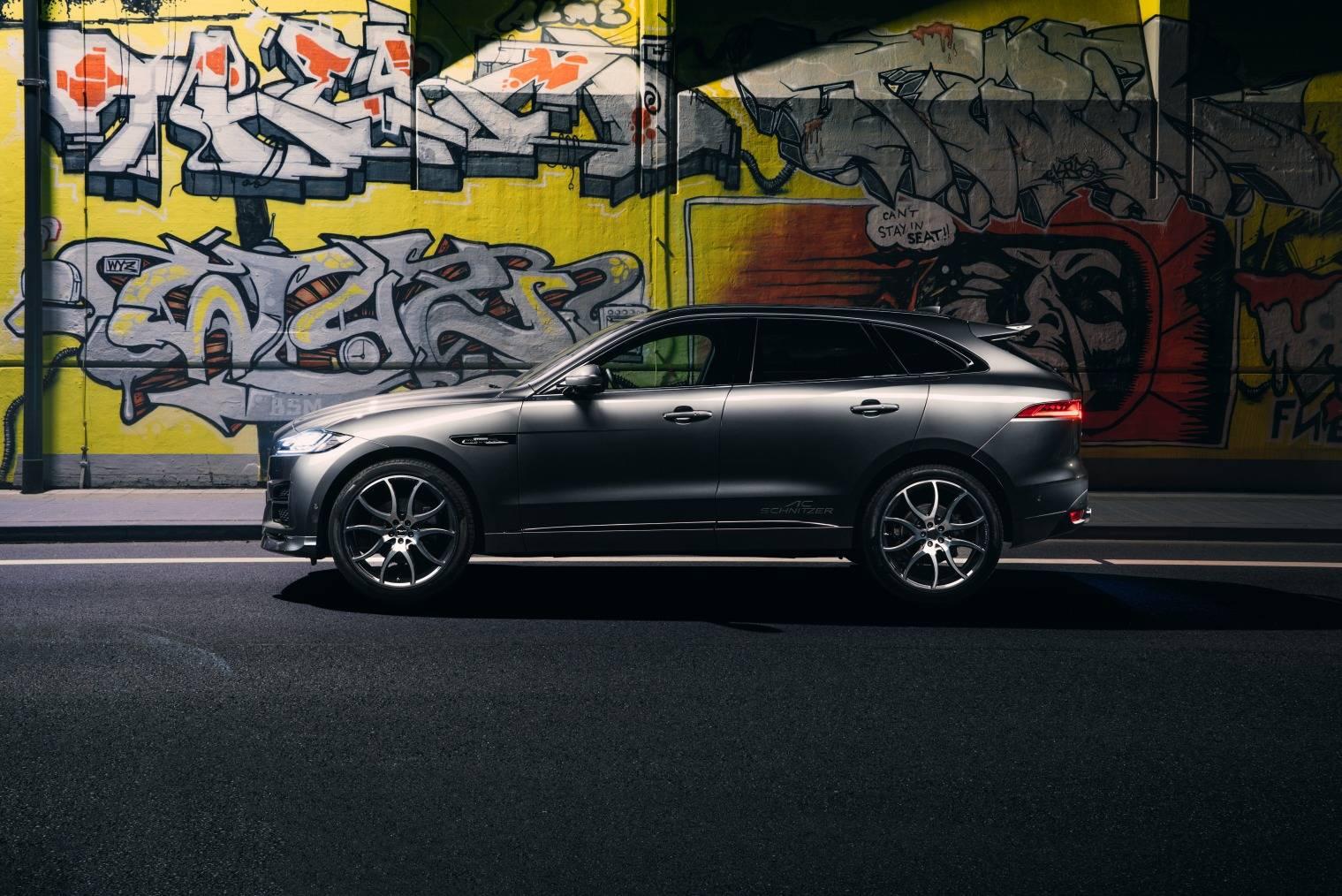 Помимо BMW и Mini, немецкий тюнер также имеет некоторый опыт в настройке автомобилей Land Rover.