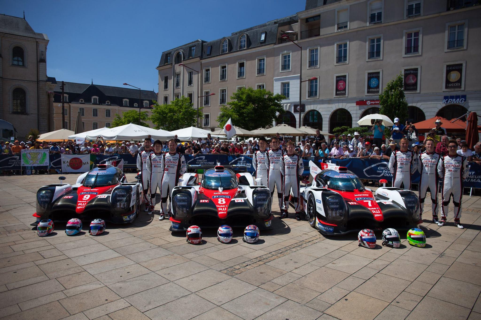 Ники Тиим напомог Aston Martin Racing за рулем автомобиля №95 опередил Сэма Берда на Ferrari 488 GTE №71 и Ferrari 488 GTE Джейма Каладо. Ford пришел пятым - автомобиль №67 Энди Приолькса.
