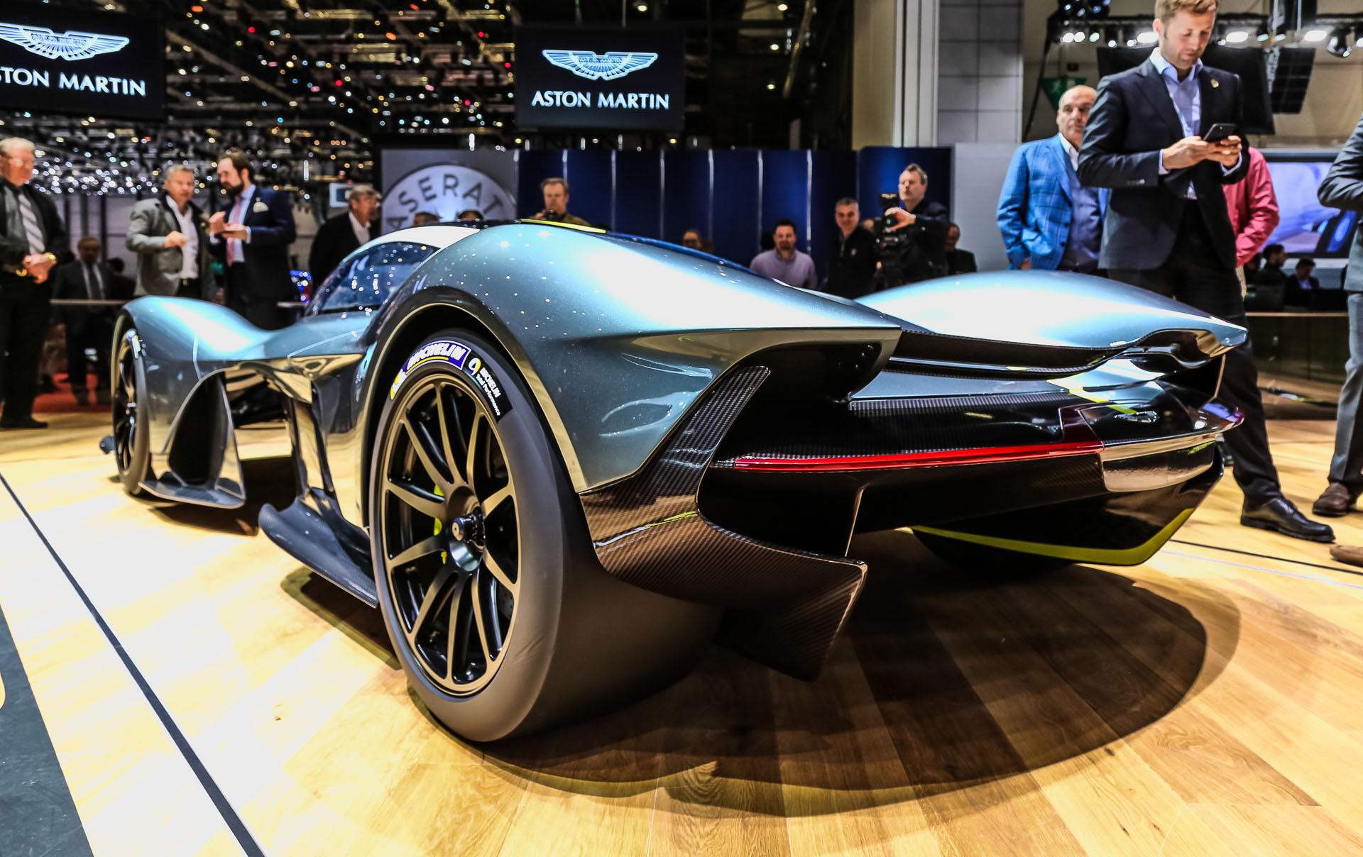 В последние недели Aston Martin Valkyrie был продемонстрирован клиентам Aston Martin на эксклюзивных мероприятиях по всему миру.
