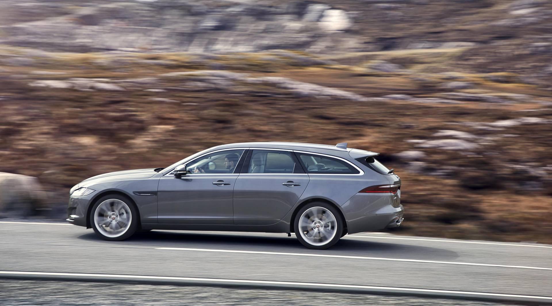 Владельцы Jaguar XF Sportbrake теперь будут иметь возможность выбрать полноприводный вариант и систему All-Surface Progress Control, таким образом автомобиль может конкурировать с Audi, BMW и Mercedes-Benz, которые предлагают такую же трансмиссию. По