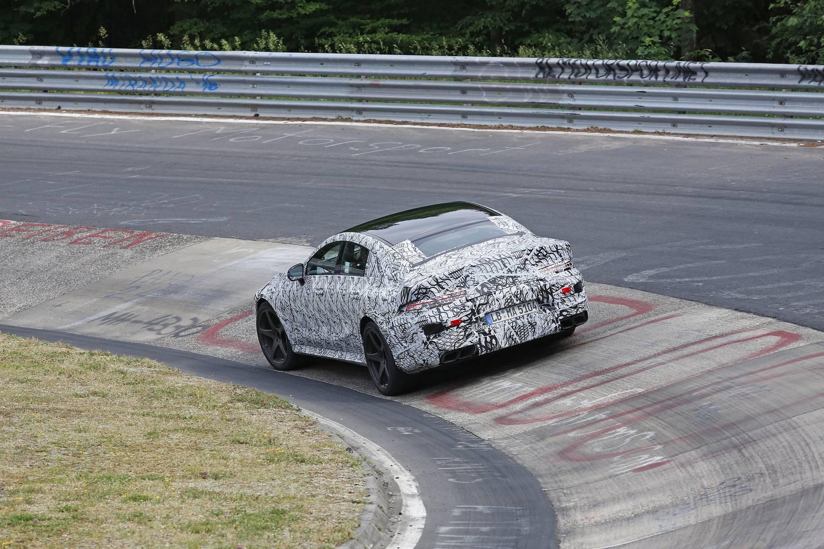 Такое увеличение для экстравагантного 4-дверного спортивного универсала может показаться неуклюжим, учитывая, что он близок обновленному CLS. AMG GT Concept демонстрировать гибридные технологии Mercedes и возмутительные технологии Project One в более
