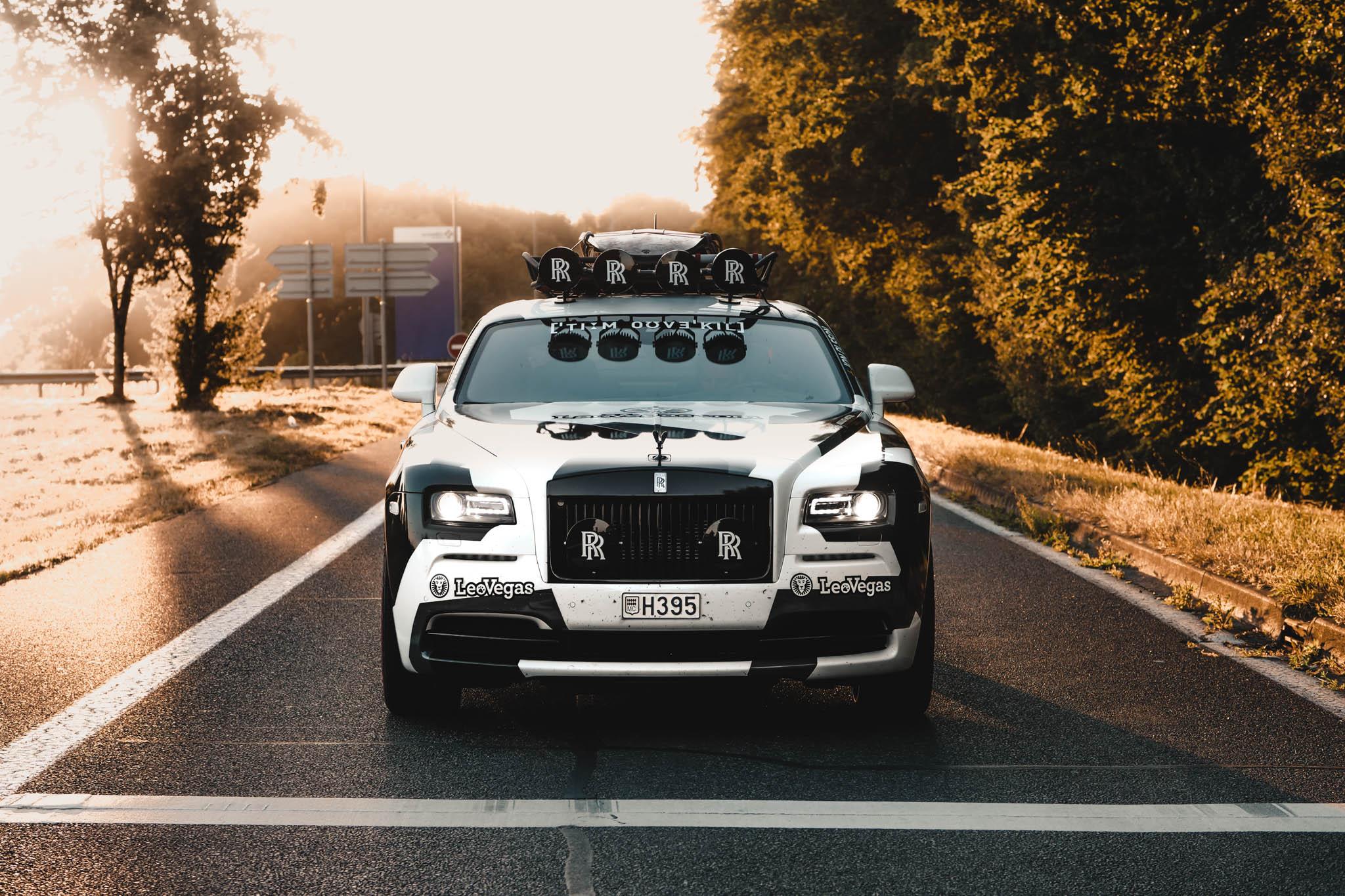 Последнее дополнение к безумной команде – убийственный 810 л.с. Rolls-Royce Wraith.
