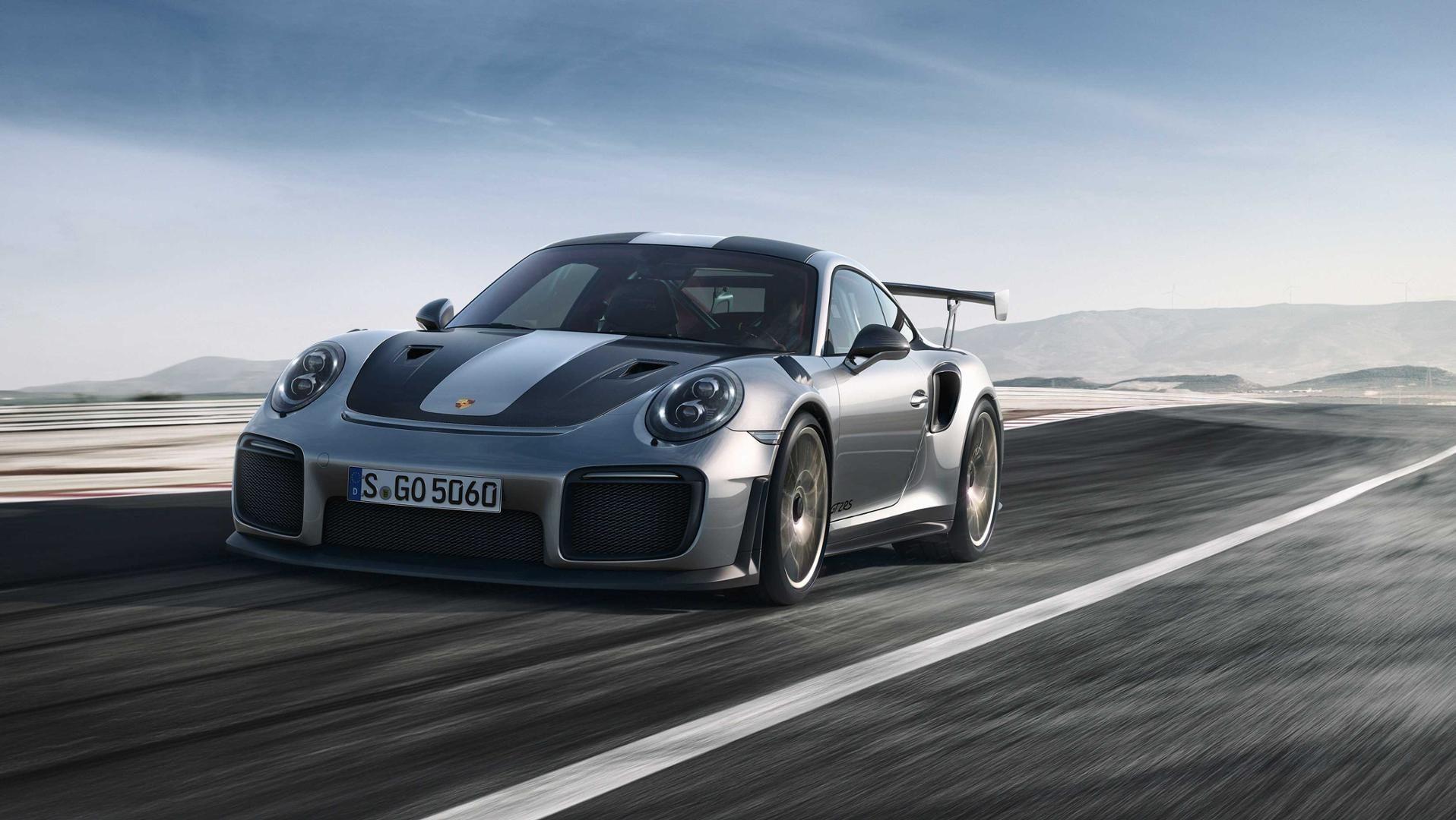 Фотографии 2018 Porsche 911 GT2 RS просочились через форум Porsche Rennlist.