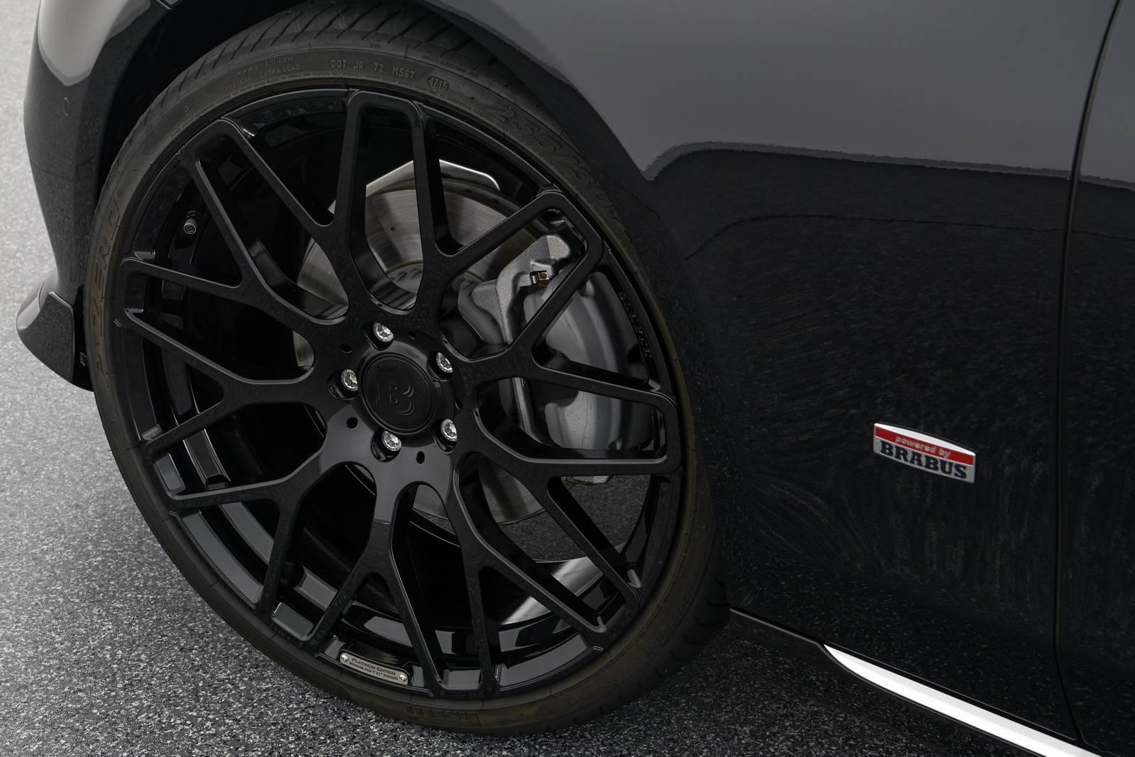 Brabus предлагает своим клиентам широкий ассортимент продукции для персонализации универсала E-Class.
