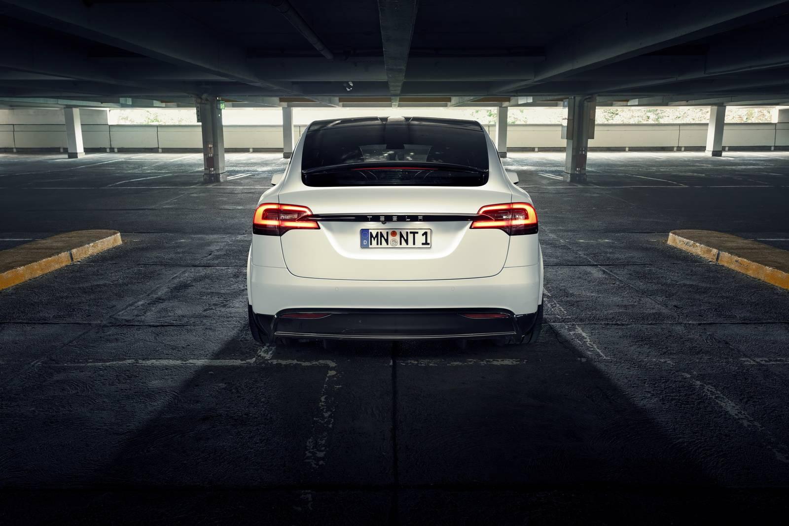 Тюнинг-ателье Novitec только что показало Novitec Tesla Model X, впервые демонстрируя как немецкий тюнер преображает полностью электрический автомобиль.