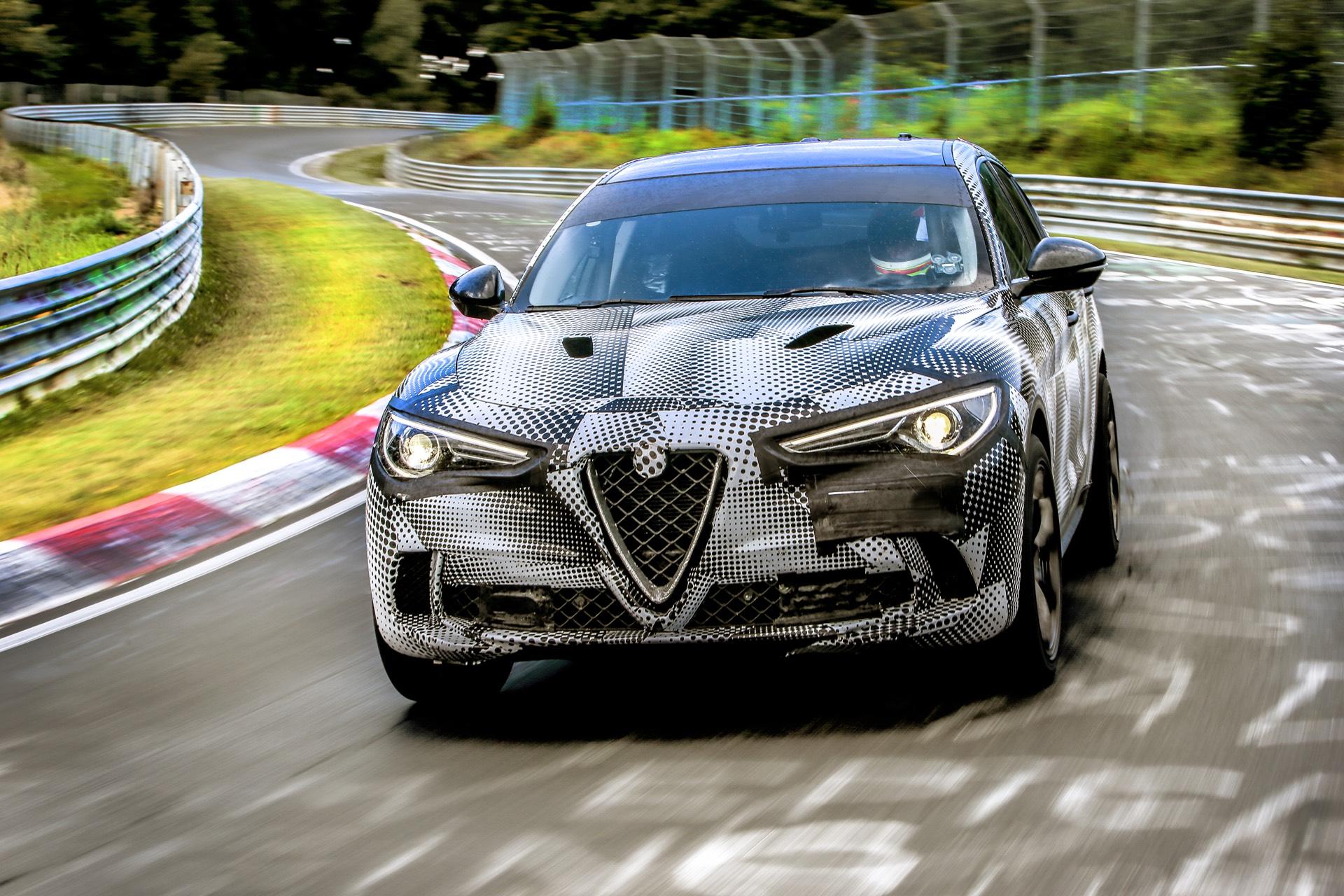 Stelvio присоединяется к Alfa Romeo Giulia Quadrifoglio.