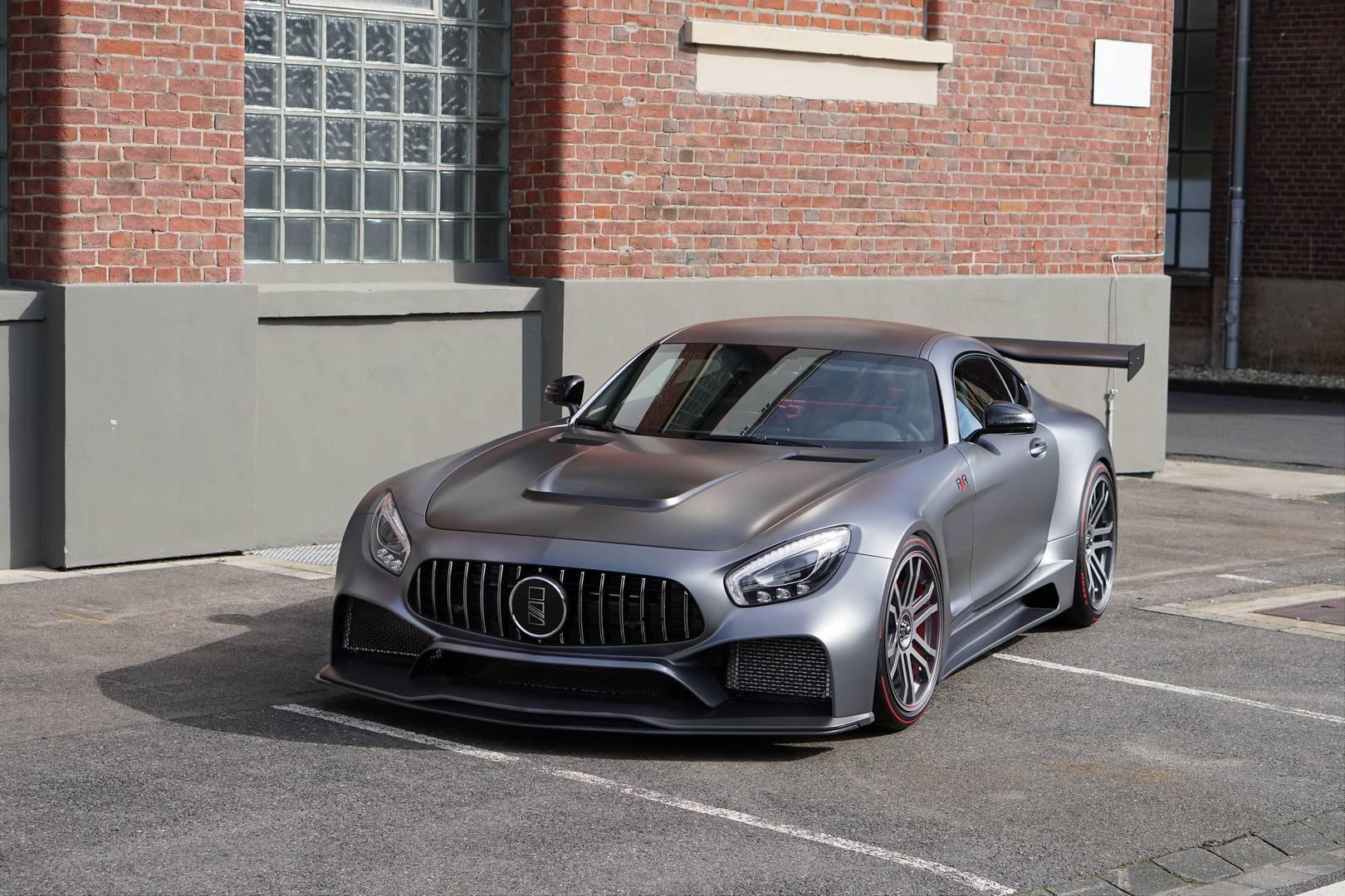 GT. Теперь проект официально объявлен и называется он IMSA RXR One. Он основан на Mercedes-AMG GTS. Номенклатура RXR, по-видимому, означает Road X-tra Racing. Он будет доступен как пакет с ограниченным тиражом с каждым автомобилем, адаптированным по