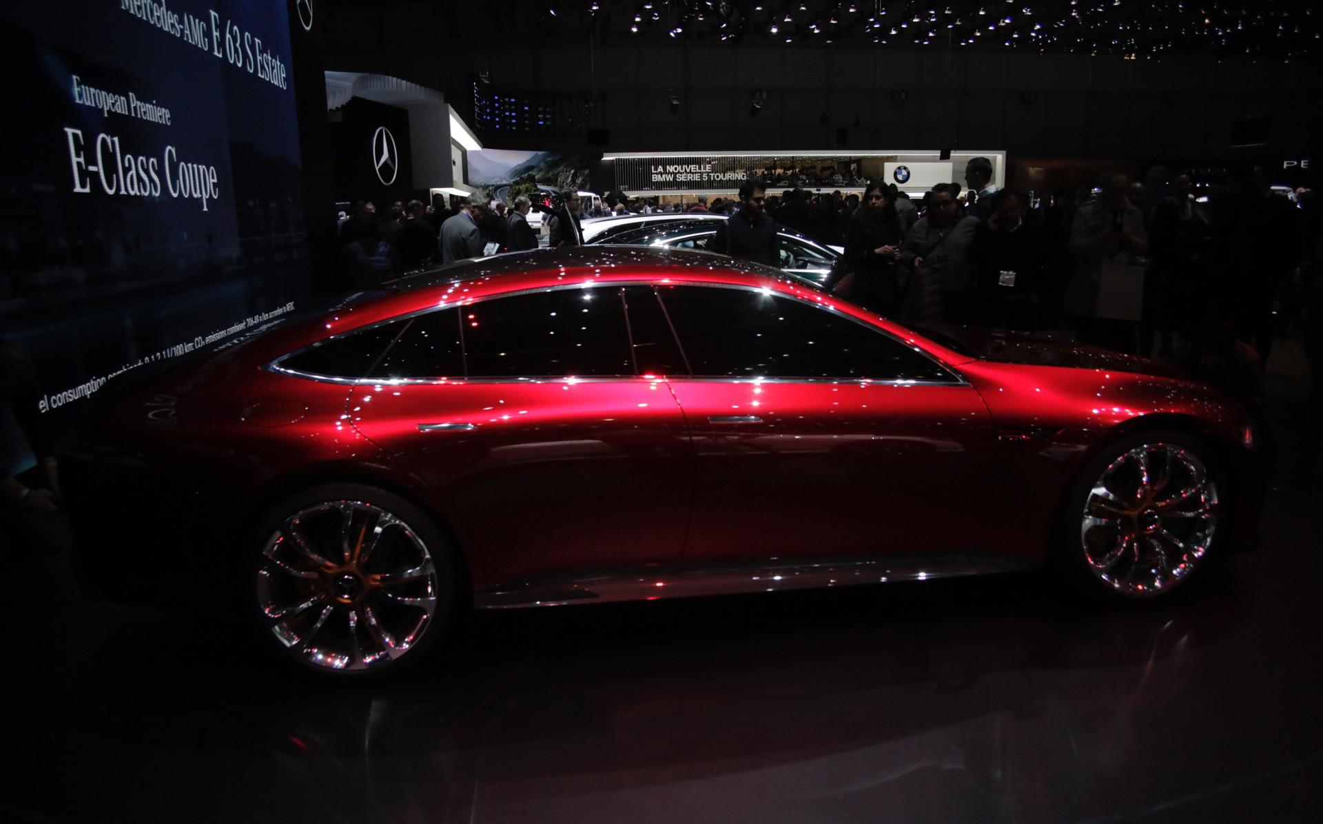 Когда этот GT выйдет на рынок, его конкурентами станут Audi RS7 следующего поколения и предстоящий BMW 8-серии Gran Coupe.
