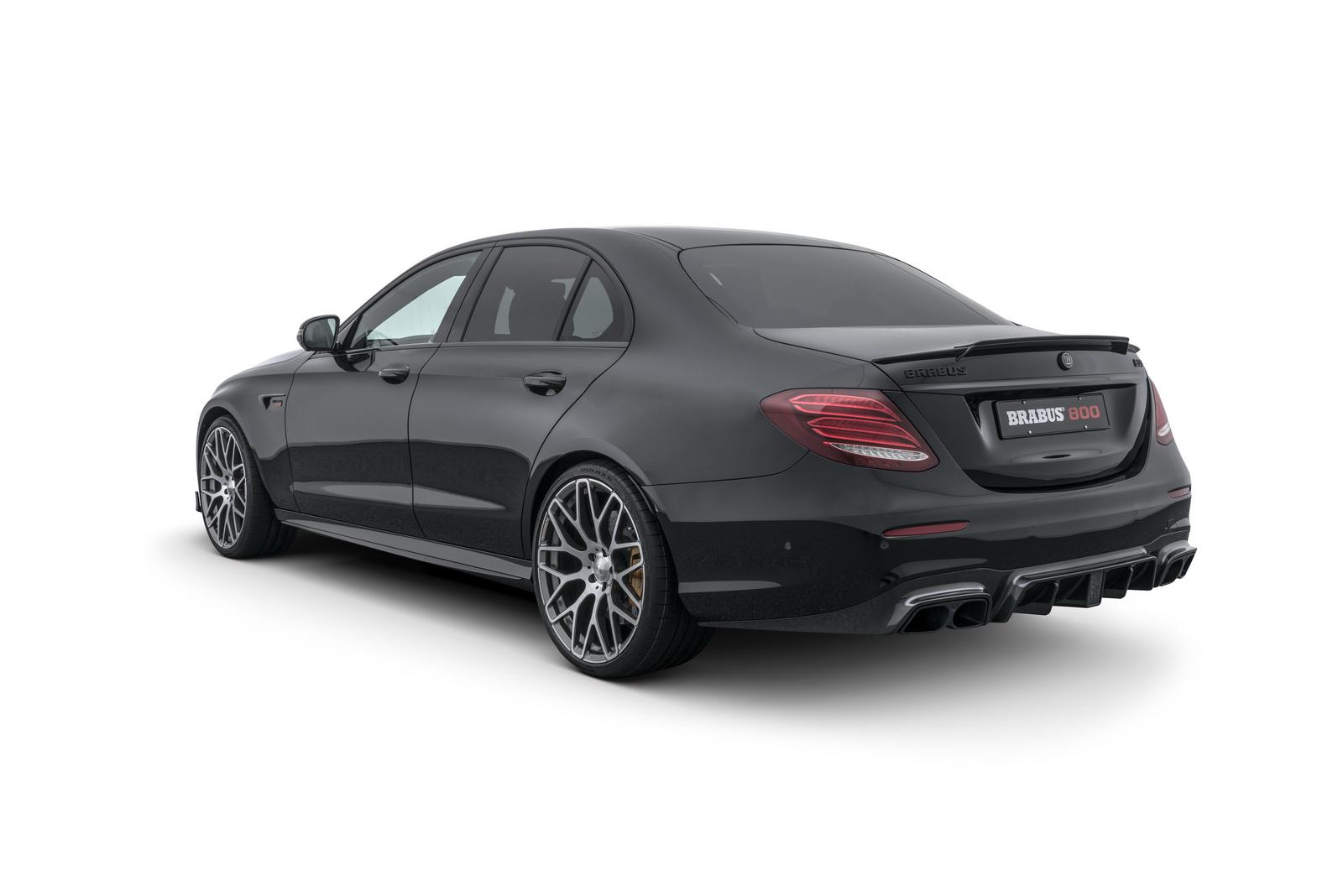 Каждый двигатель имеет соответствующие настройки, а этот Mercedes E 63 S 4MATIC получил 800 л.с. от мастеров Brabus!     Brabus 800 Mercedes-AMG E63 S дебютирует на Женевском автосалоне 2018.