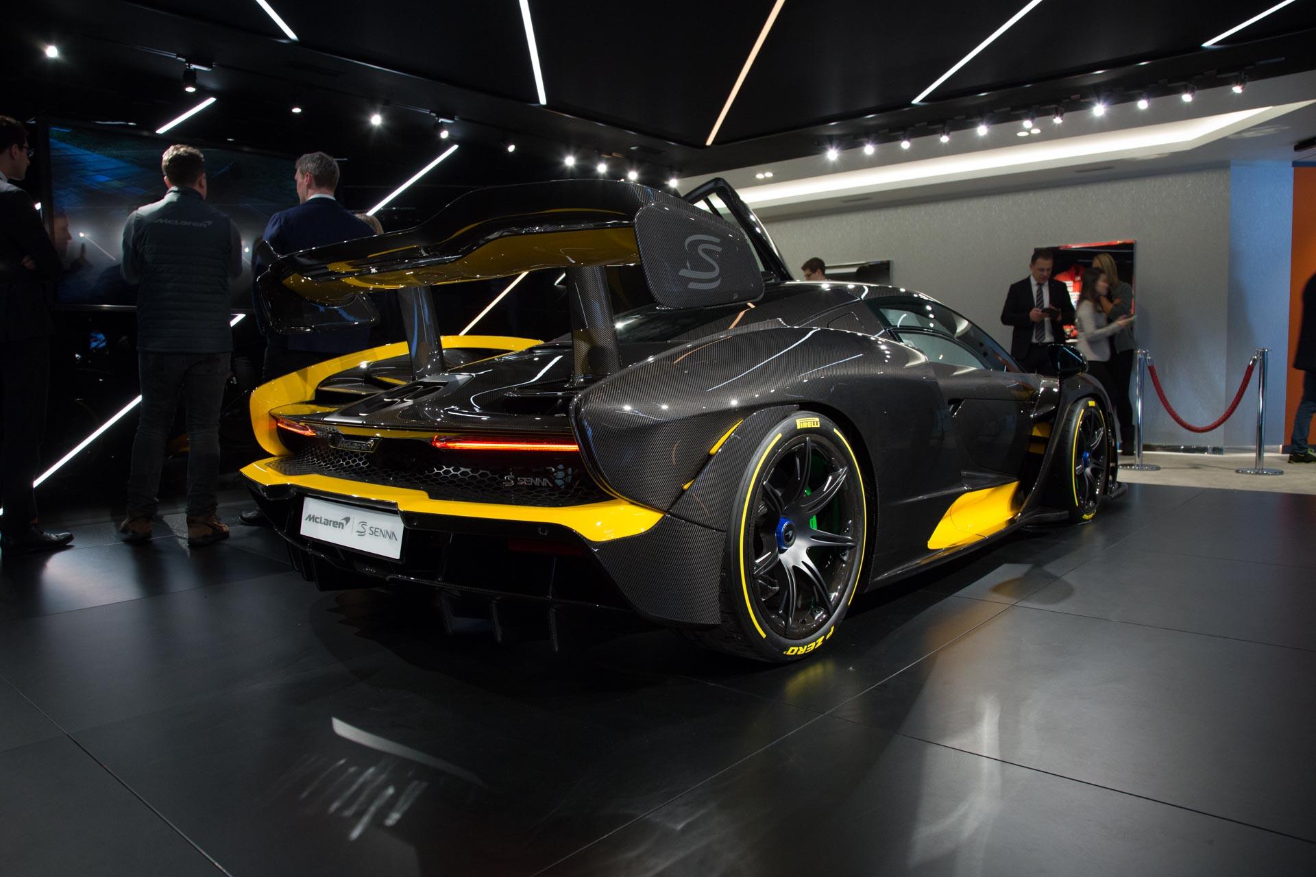 Недавно McLaren представил больше статистических данных о Senna. Он оснащается 4-литровым двухцилиндровым двигателем V8 McLaren мощностью 800 л.с. и 800 Нм крутящего момента. Он весит 1,198 кг, что дает ему соотношение мощности к весу 668 л.с. на тон