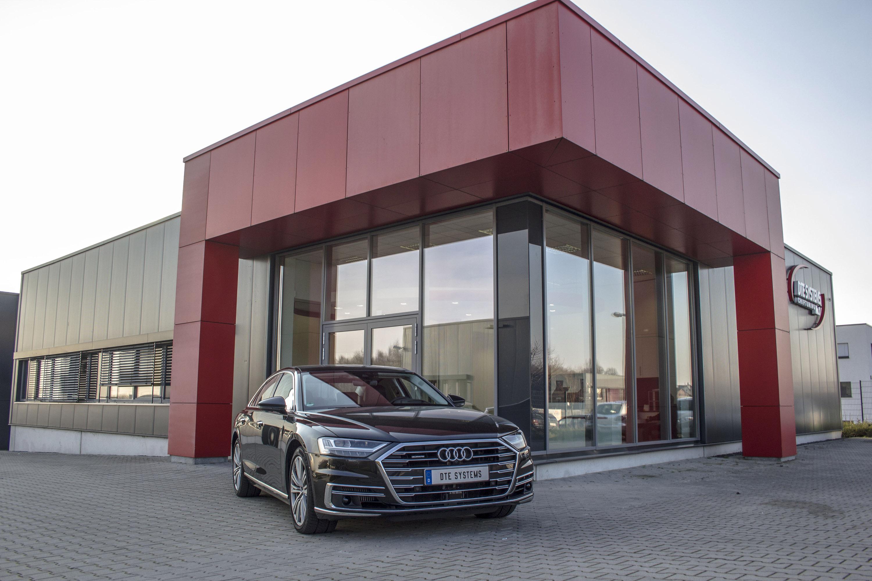 Благодаря новой системе водители получают более динамичный отклик от автомобиля и более уверенные и спортивные возможности. И при том, что система была разработана эксклюзивно для A8, этот маленький гаджет становится еще более ценным.