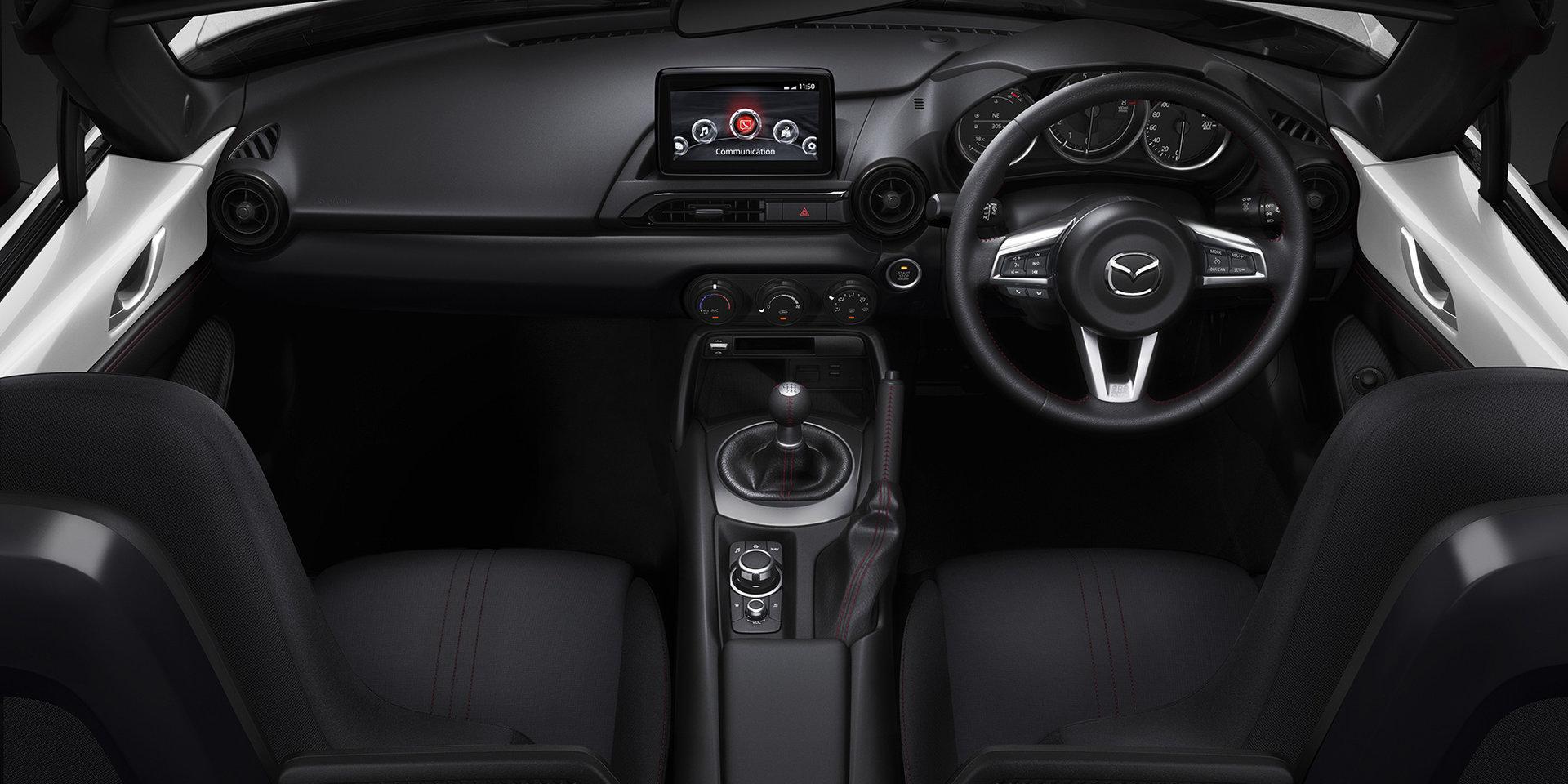 Цены были увеличены от 100 до 33,440 долларов плюс доставкп для начального уровня 1,5-литрового Roadster, в то время как обновления модели GT стоят на 1320 долларов дороже, чем раньше. Увеличение было компенсировано обновлениями, такими как улучшенны