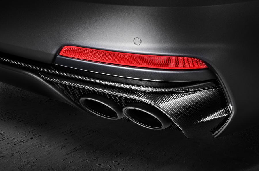 Trofeo должен появиться на дорогах общего пользования в конце этого года, но пока ничего не известно о ценах. Ожидается значительное увеличение стартовой цифры V6 S Gransport, начиная с 76 995 фунтов стерлингов.