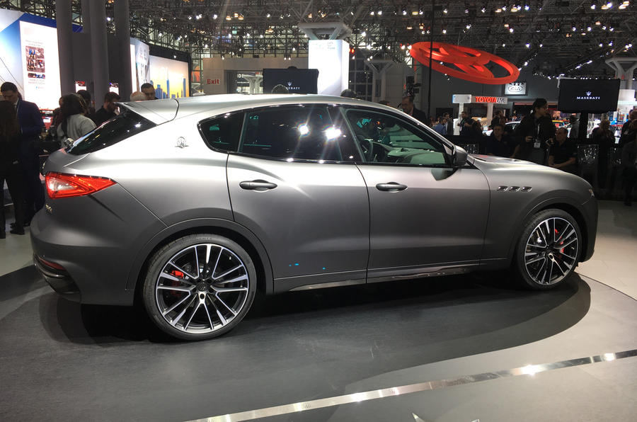 Maserati представил свой новый топовый внедорожник Levante Trofeo, в котором используется 582-сильный двигатель V8 от Ferrari.