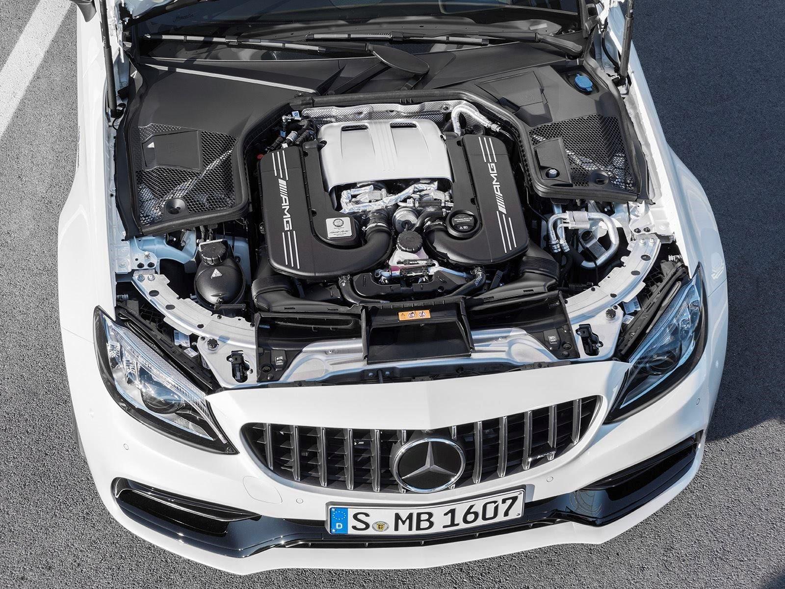 С дебютом 2016 C63 AMG Mercedes-Benz добавил еще один невероятный продукт в свою быстрорастущую и масштабную коллекцию.