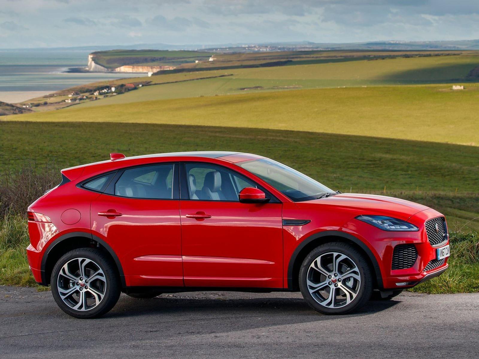 ОК, так как JLR определяет Jaguar, в частности, если говорить о внедорожниках? «Задача Jaguar - обеспечить динамичное наслаждение с точки зрения вождения, и, если есть продукт, которого нам не хватает, предложить этот вариант». Помните, что F-Pace яв