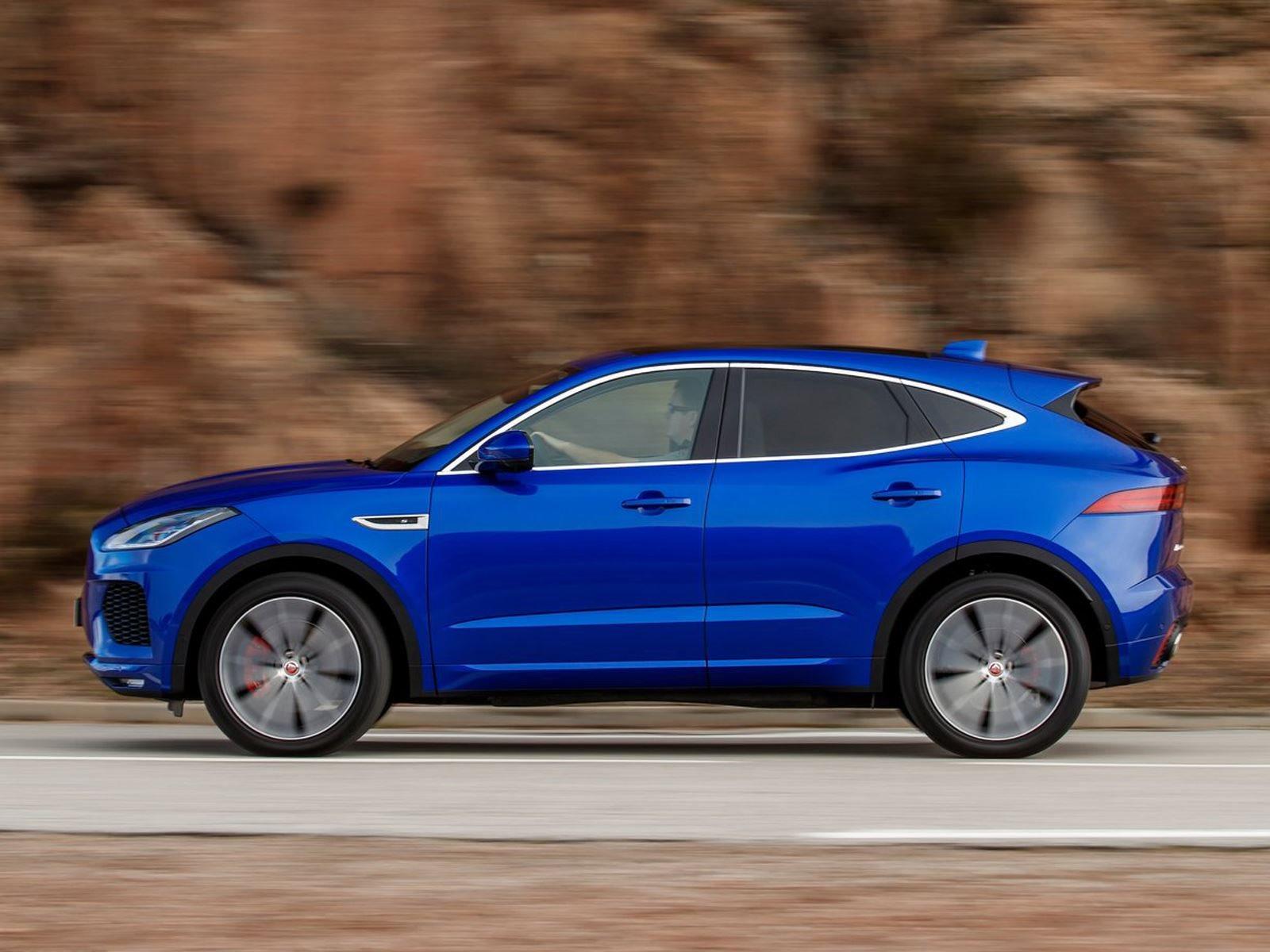 Существует определенная формула, которая отделяет Jaguar от Land Rover. «Обязательно ли Jaguar воспроизводить Range Rover или Land Rover? Нет. Это не его работа», - сказал Визнер. «Вам не нужен ни другой Range Rover, ни другой Land Rover - у них свои