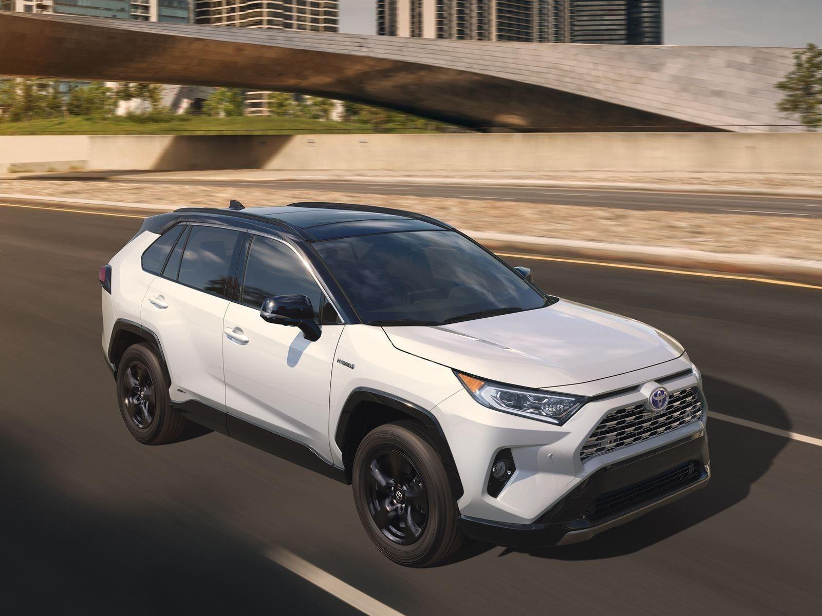 Некоторые, такие как Hyundai, дошли до производства. Но Toyota, кажется, бесперспективна. Выступая на Международном автосалоне в Нью-Йорке 2018, вице-президент и генеральный менеджер Toyota North America Джек Холлис заявил, что на самом деле, чтобы о