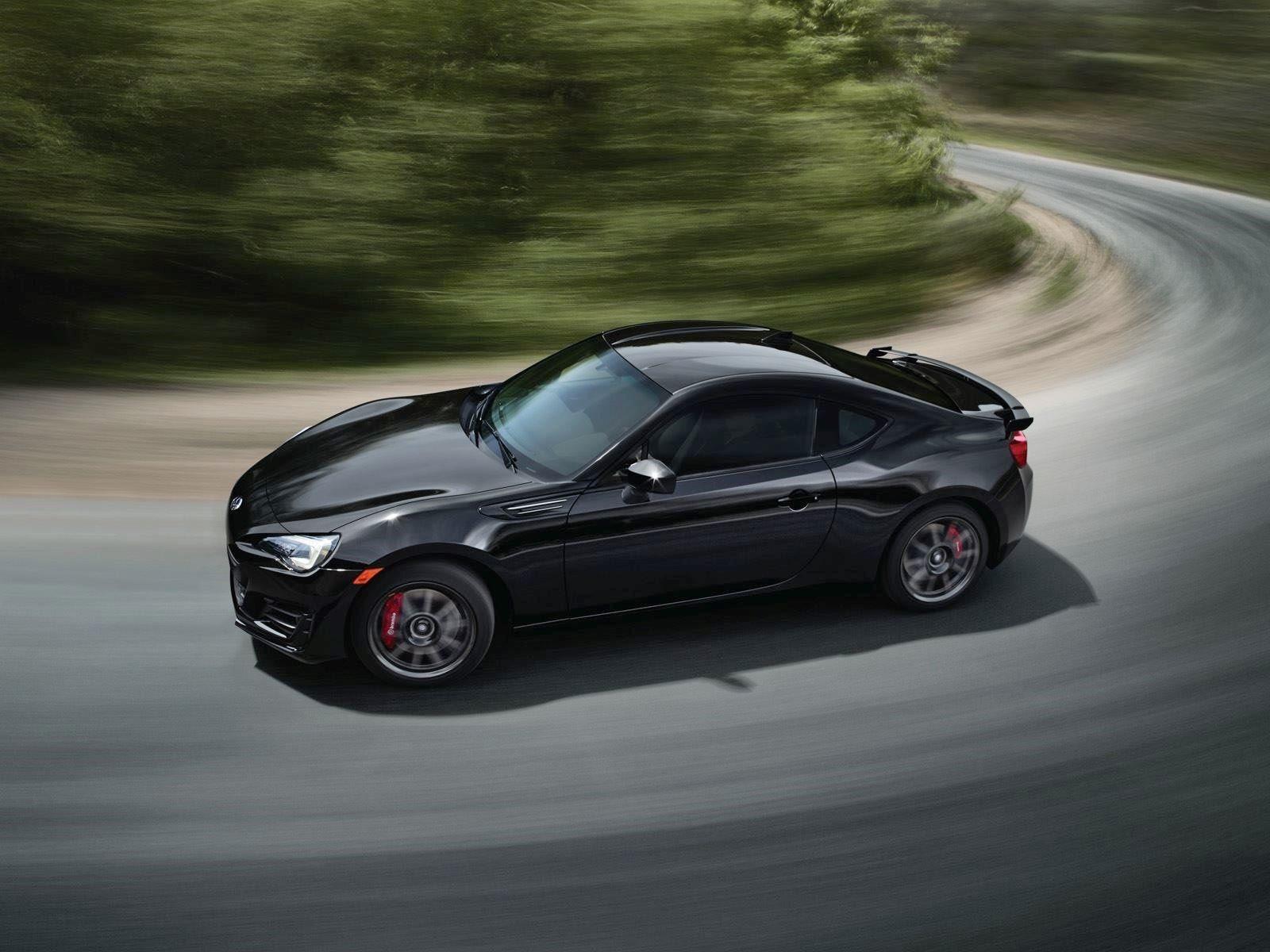 Текущий 2,0-литровый четырехцилиндровый двигатель производит 205 лошадиных сил и 211 Нм крутящего момента, поэтому было бы неплохо увидеть больше мощности в следующем поколении. Если эти слухи верны, мы не увидим следующие GT86 примерно до 2021 года,