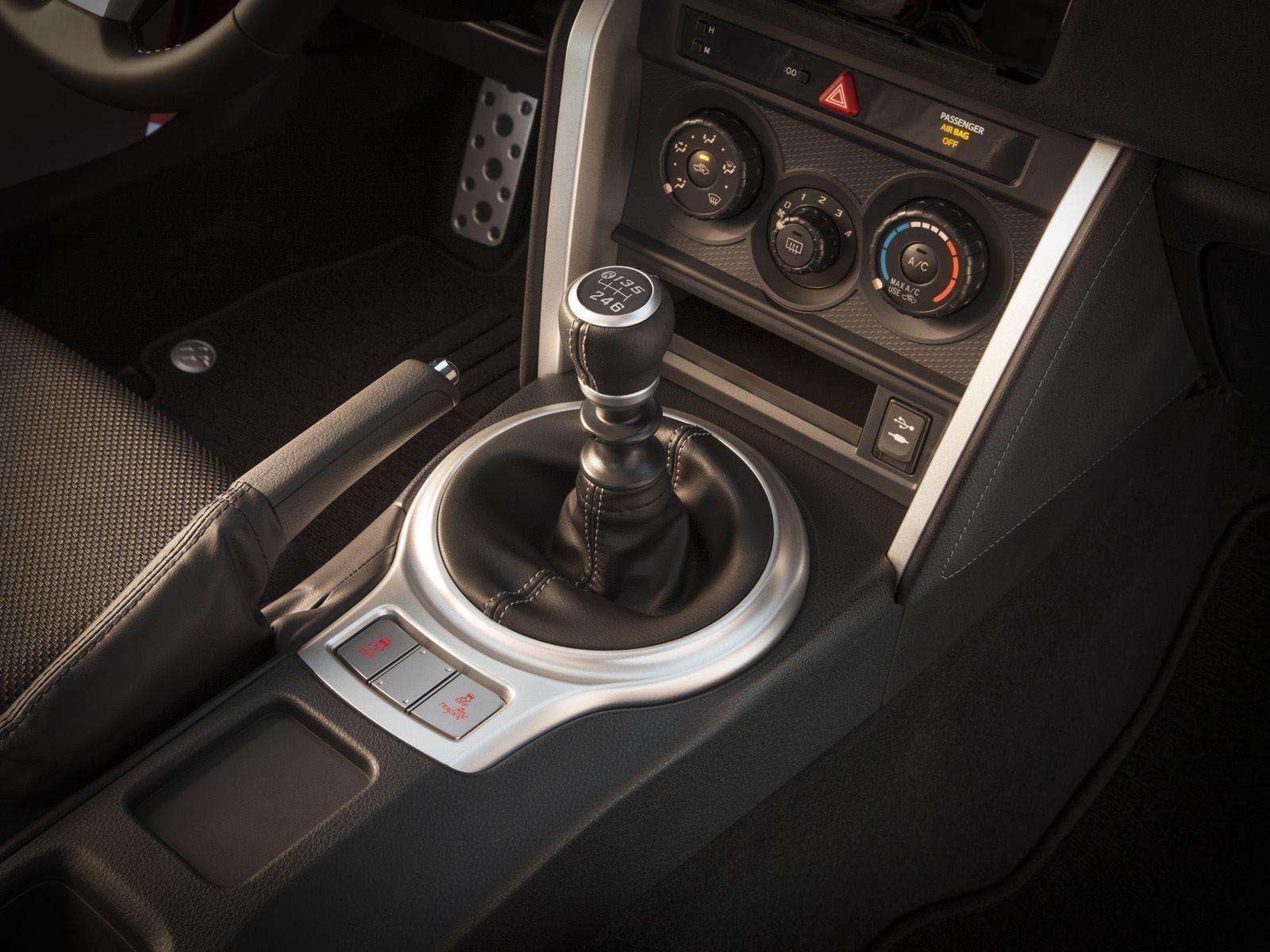 С тех пор, как Scion FR-S и Subaru BRZ дебютировали еще в 2012 году, поклонники требовали чего-то еще - больше мощности.
