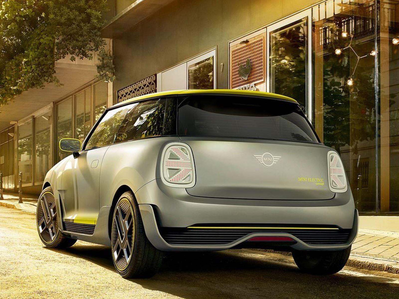 У BMW большие планы по электрификации. Баварский автопроизводитель пообещал электрифицировать весь свой ассортимент и представить до 12 новых электро-каров в период между 2019 и 2025 годами. Неудивительно, что это означает, что электрический диапазон