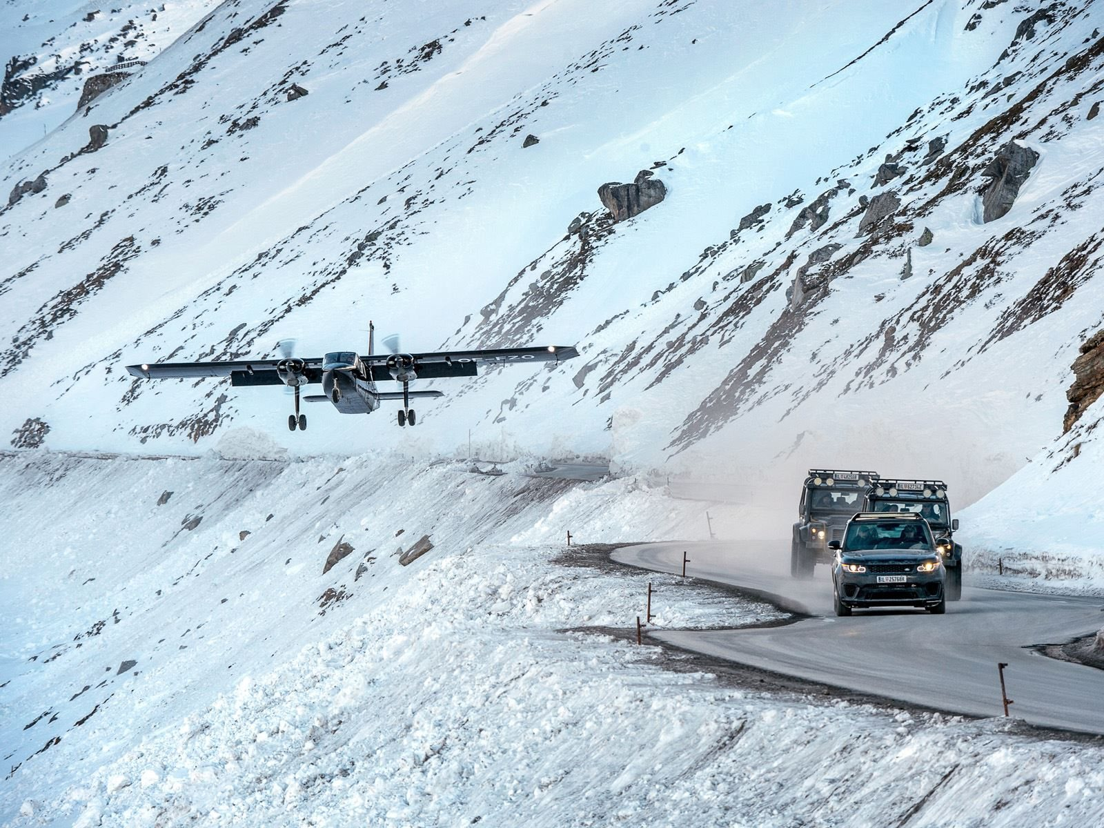 Те из вас, кто смотрел последний фильм Бонда «Призрак», могут помнить отдаленное снежное место Хоффлер-Клиники. Оно расположено в Зёльдене, Австрия и является реально существующим потрясающим рестораном Lake Altaussee Ice Q, который предлагает 360-гр