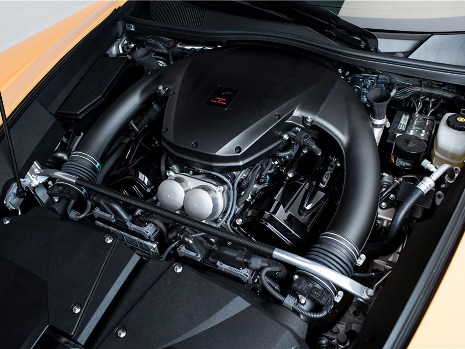 Спортивная подвеска, цепкие шины и специальные диски дополнительно отличают Nurburgring Edition.