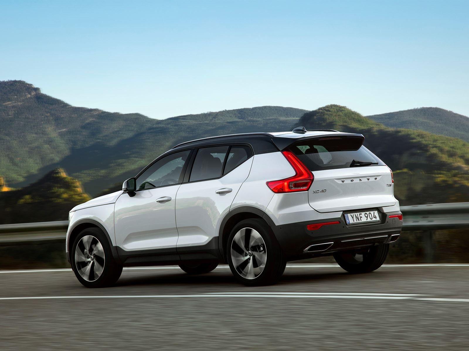 По словам директора Volvo на Ближнем Востоке и Африки Lex Kerssemakers, автопроизводитель стремится к тому, чтобы электрические модели составляли 25 процентов от его годового объема продаж к 2025 году.