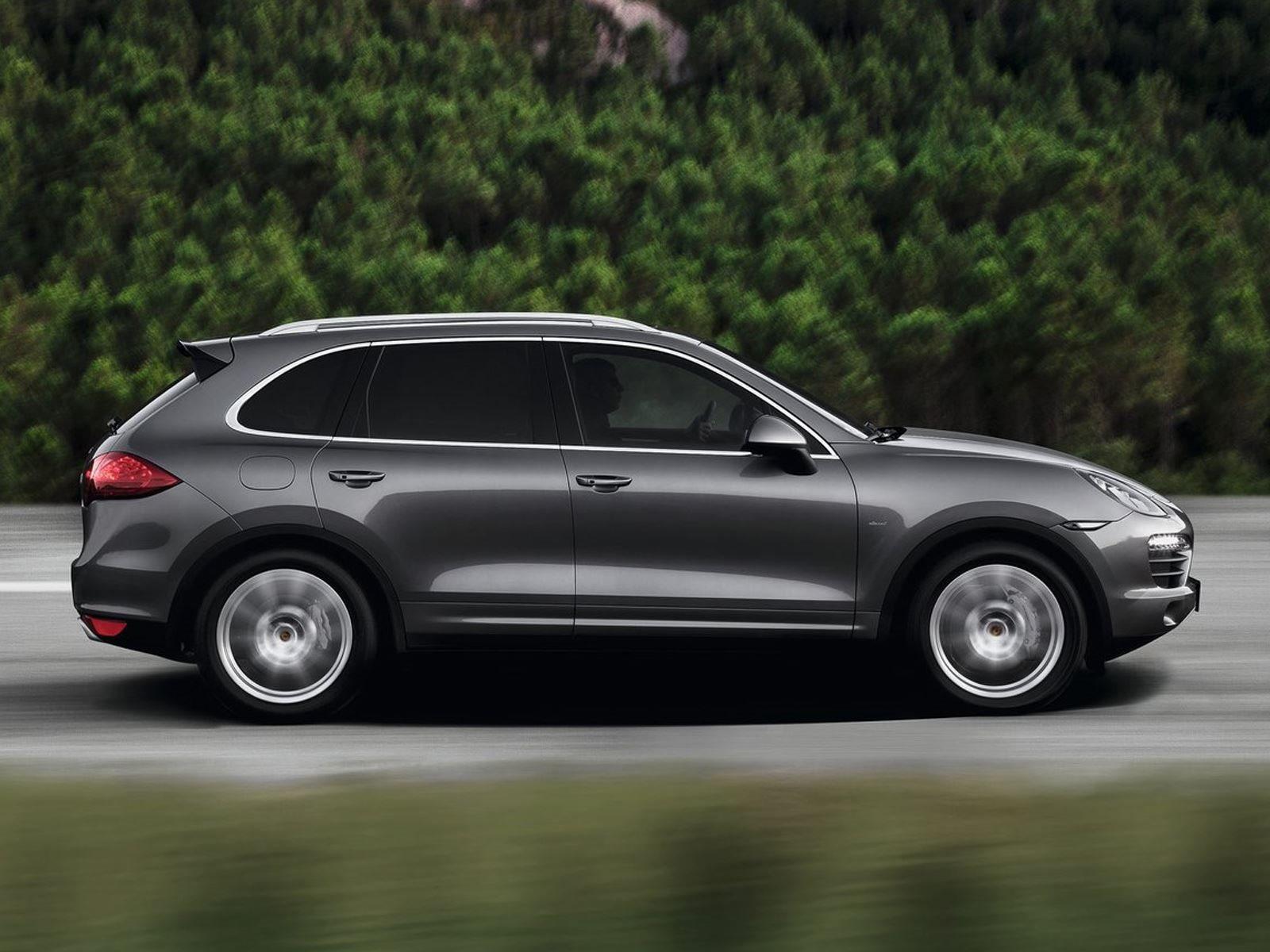 «Porsche не разрабатывает и не производит свои собственные дизельные двигатели, и в будущем не планируется менять их», - сказал Блюм.