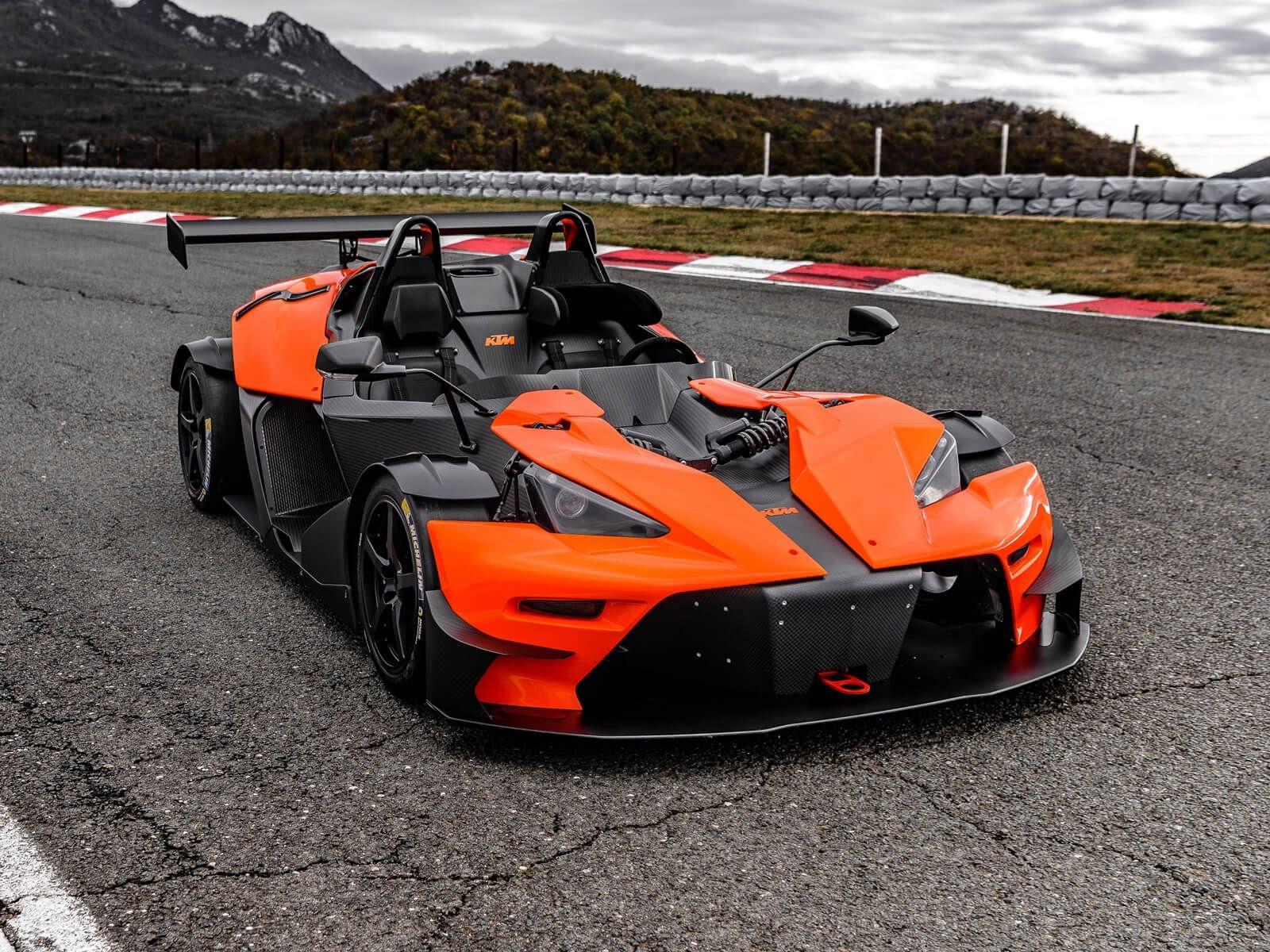 К счастью, это скоро изменится, так как X-Bow наконец-то отправляется в Америку через первых американских партнеров по продажам KTM, среди которых HMC Racing в Висконсине и ANSA Motorsports во Флориде.