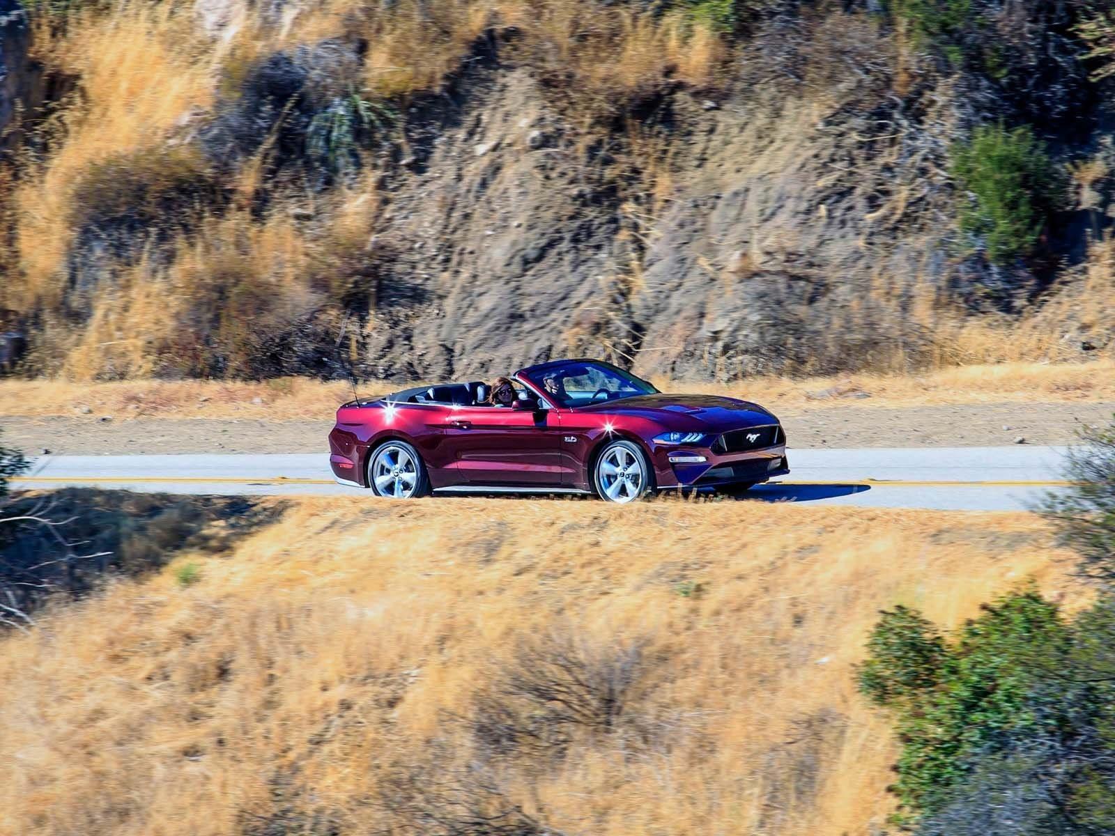 Поскольку Ford начал продавать Mustang на мировых рынках в 2015 году, компания продала 418 000 Mustang по всему миру. Цены на Mustang 2018 года начинаются с 26 485 долларов с доставкой, в то время как Mustang GT обойдется вам по крайней мере в 35 995