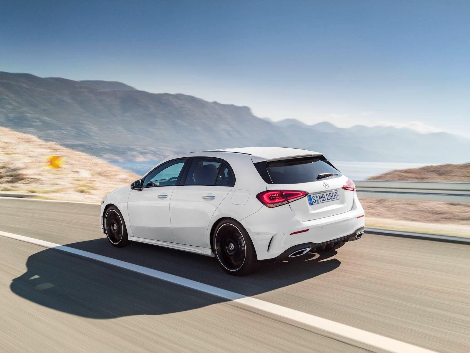 В частности, Mercedes продемонстрирует версию с более длинной колесной базой, которая строится исключительно для Китая, но она все равно должна дать нам представление о том, как будет выглядеть седан для США. Основываясь на версии хэтчбек, у нас уже
