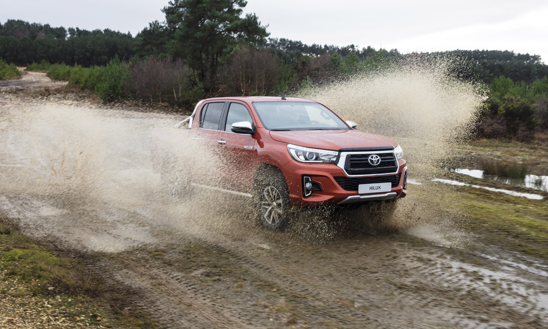 Hilux отмечает свой 50-летний юбилей, и команда Toyota решила отпраздновать это событие выпуском двух новых версий легендарного пикапа.
