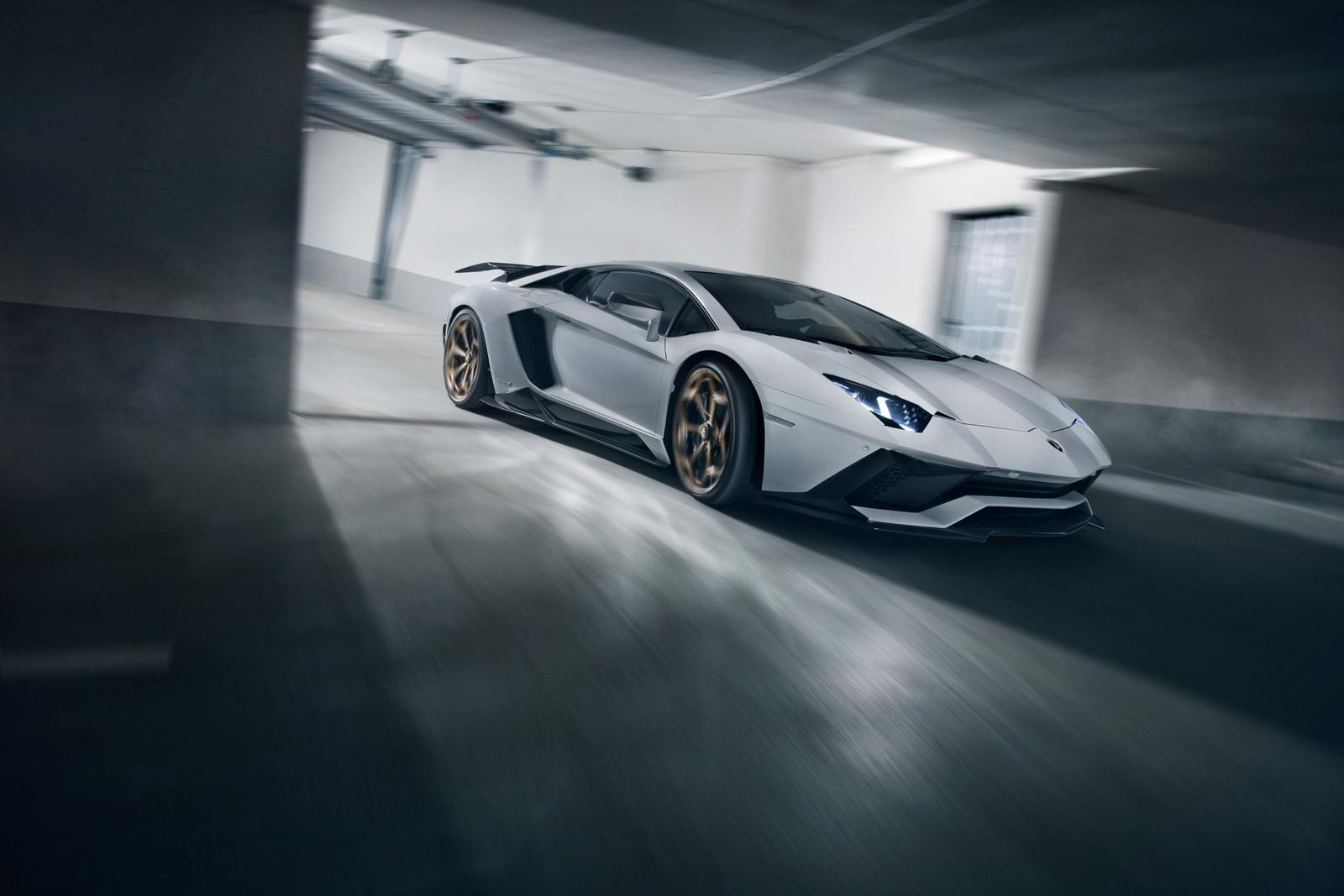 Aventador S отличается улучшенной производительностью, новыми деталями из карбона и эстетическими модификациями, такими как новые колеса и новая выхлопная система. Пакет остается верным дизайну Novitec, первоначально созданному для Aventador первого