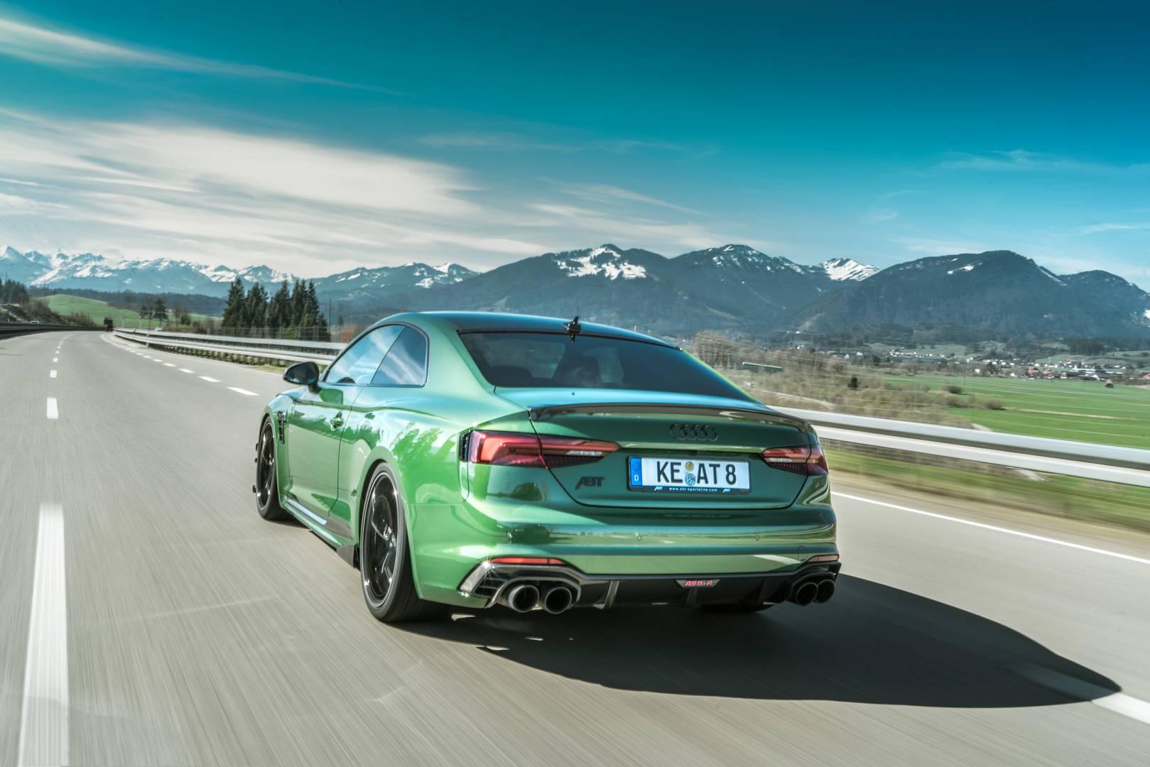 Обе машины - ABT RS4-R и RS5-R - используют тот же 2,9-литровый би турбо двигатель V6, который стоит в стоковых автомобилях. ABT увеличивает 450-сильный двигатель на дополнительные 80 л.с. до пиковых 530 л.с. и 690 Нм крутящего момента. Мощность дост
