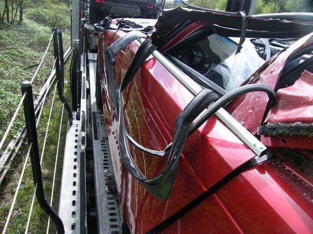 В результате аварии появился первый в мире Range Rover Velar Convertible